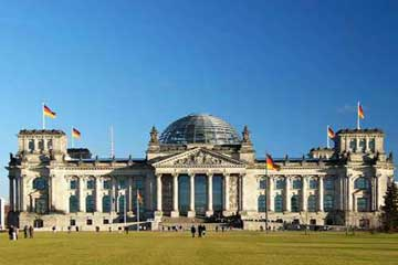 化腐朽为神奇的德国国会大厦
