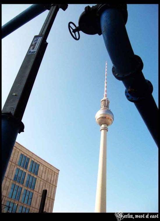 柏林电视塔前的喷水池