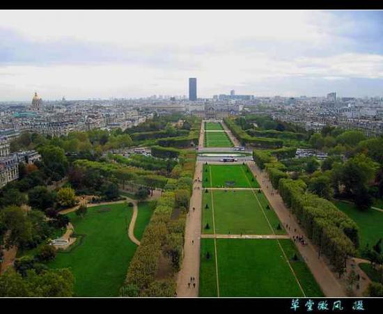 欧洲掠影-法国:埃菲尔铁塔上观巴黎