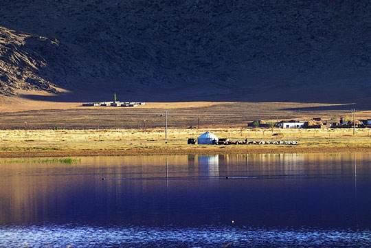 新疆阿勒泰富蕴可可托海伊雷木湖景点介绍,图二