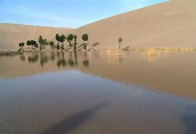 新疆哈密鸣沙山