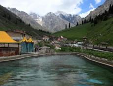 新疆库尔勒阿尔先沟温泉
