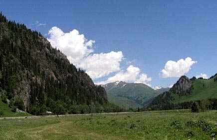 新疆伊犁州阿克塔斯避暑山庄