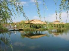 新疆伊犁河民族文化旅游村
