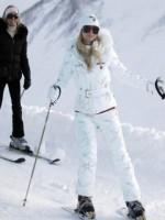 冬季滑雪的时尚装备