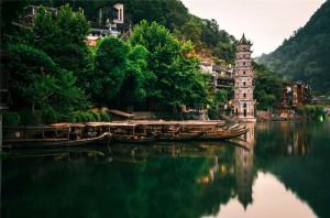 长沙、韶山、张家界、黄石寨、天子山、凤凰古城、武汉单飞单卧10日游