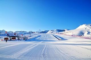 """""""快乐少年""""---滑雪训练营(三天)"""
