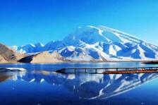 喀什市内、卡拉库里湖、慕士塔格峰、达瓦昆沙漠火车双卧五日游