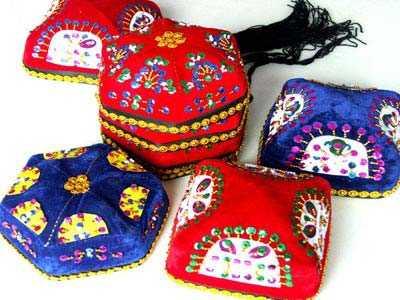 新疆维吾尔族手工花帽